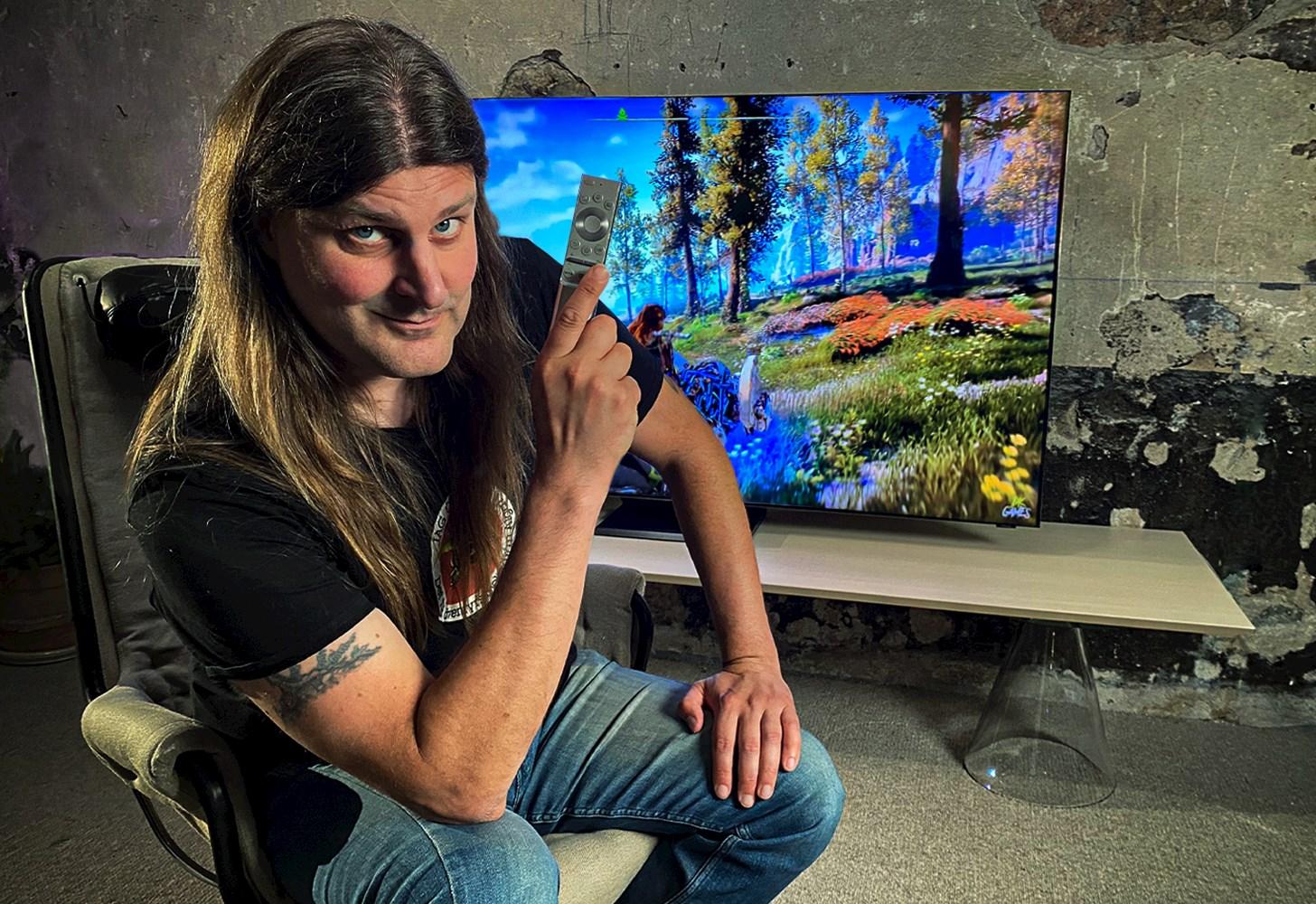 Orvar tar en titt på Samsungs flaggskip-TV