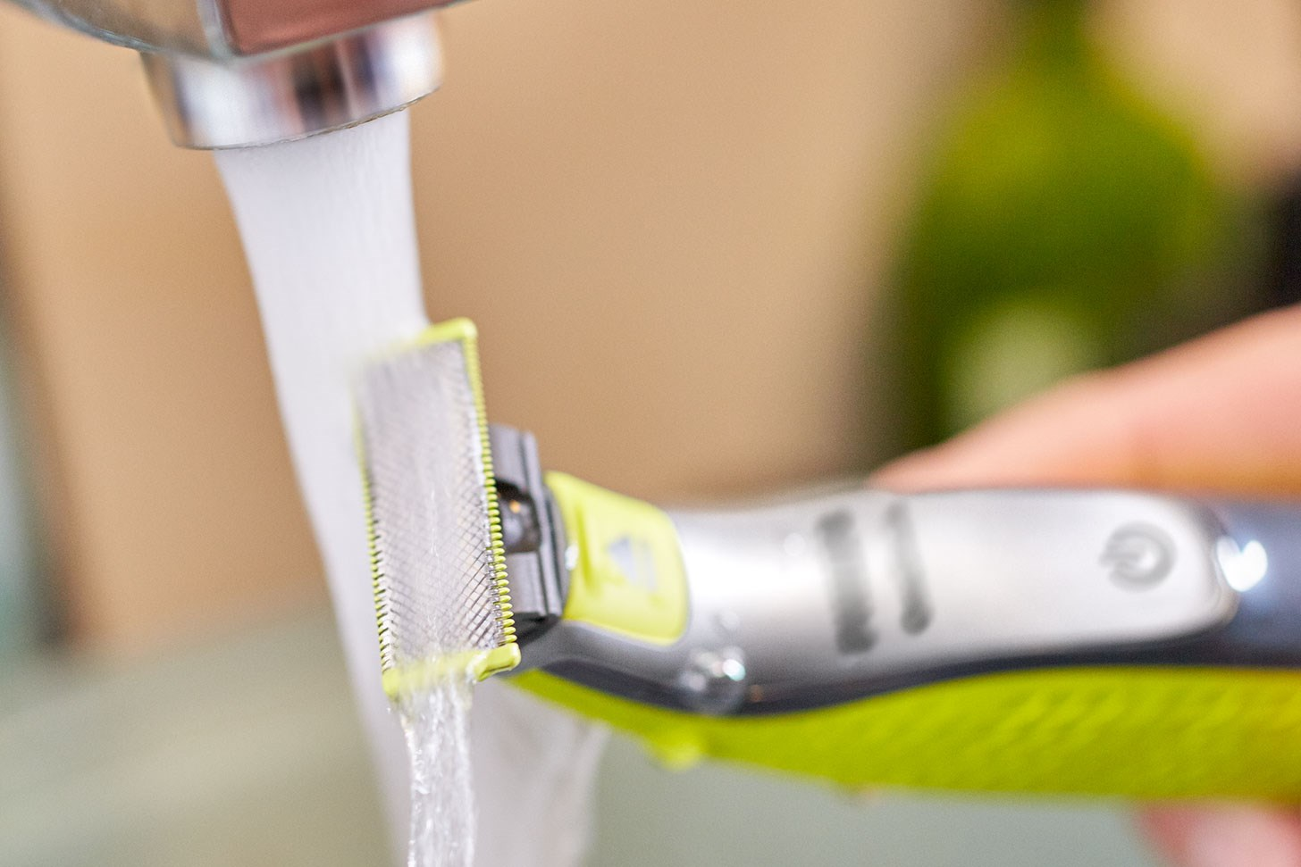 OneBlade kan brukes til både våt- og tørrbarbering